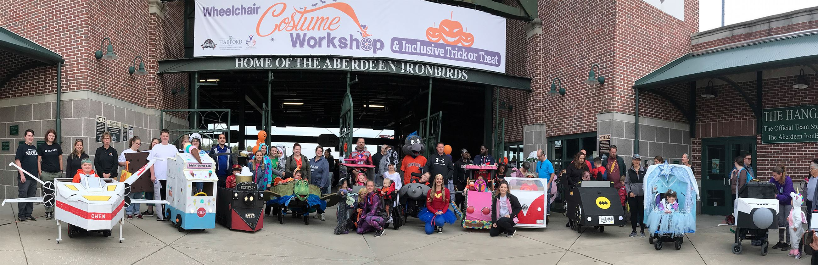 2019 Halloween Wheelchair Workshop participants photo